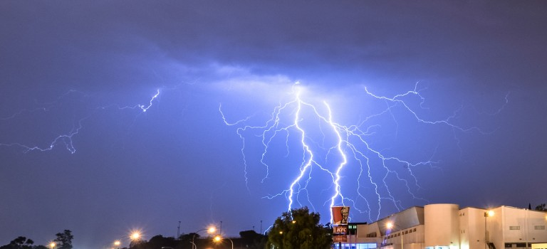 10 Electrifying pictures of lightning in South Africa