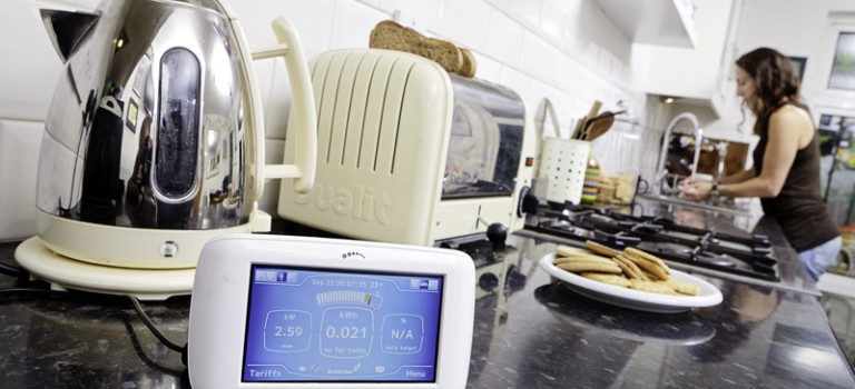 Reduce your energy bill and your footprint with energy monitors